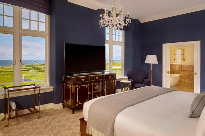 Trump Turnberry deluxe ocean View Bedroom