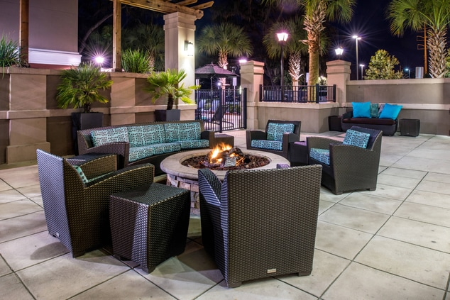 hotels in gainesivlle fl close to i75