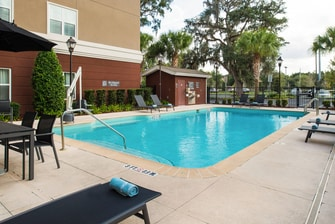 hotels in gainesville fl near i75