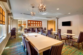 Residence Inn Ocala Communal Table