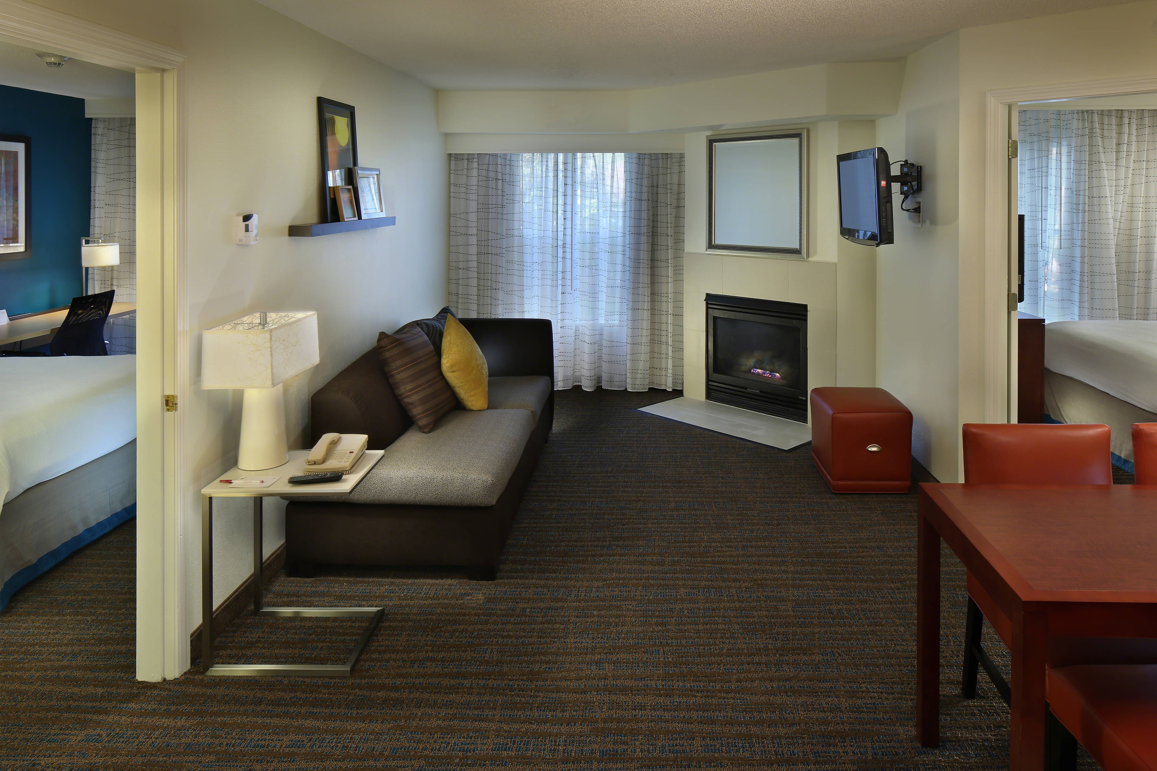 Mystic ct hotel residence inn mystic groton - Hotels that have 2 bedroom suites ...