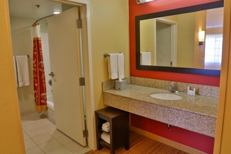 Executive King Suite-Vanity