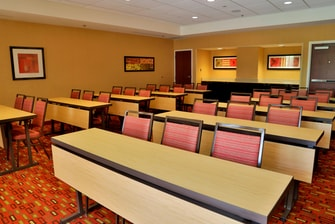 Courtyard-Lakeview Meeting Room