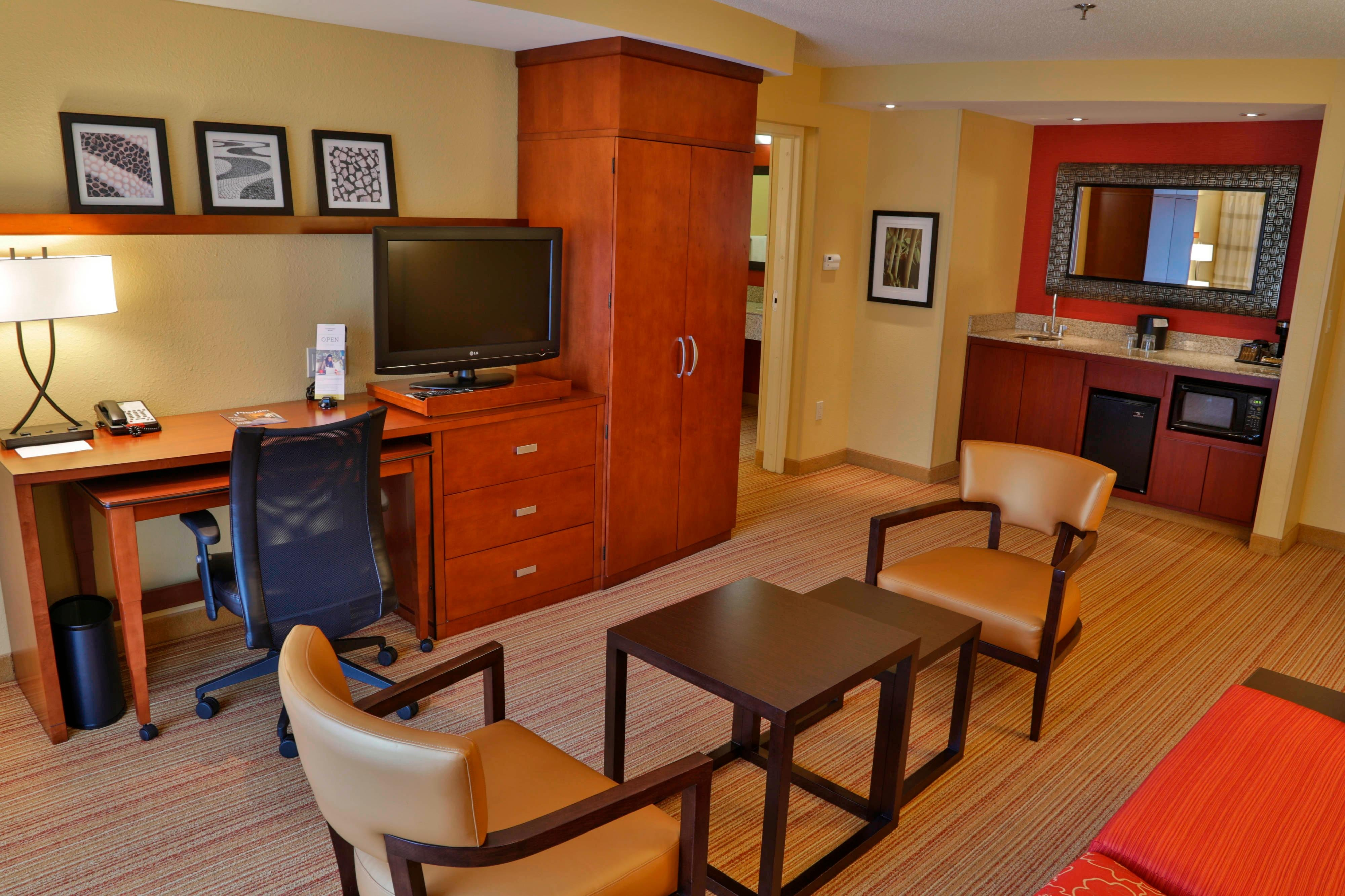 Executive King Suite-Living Area