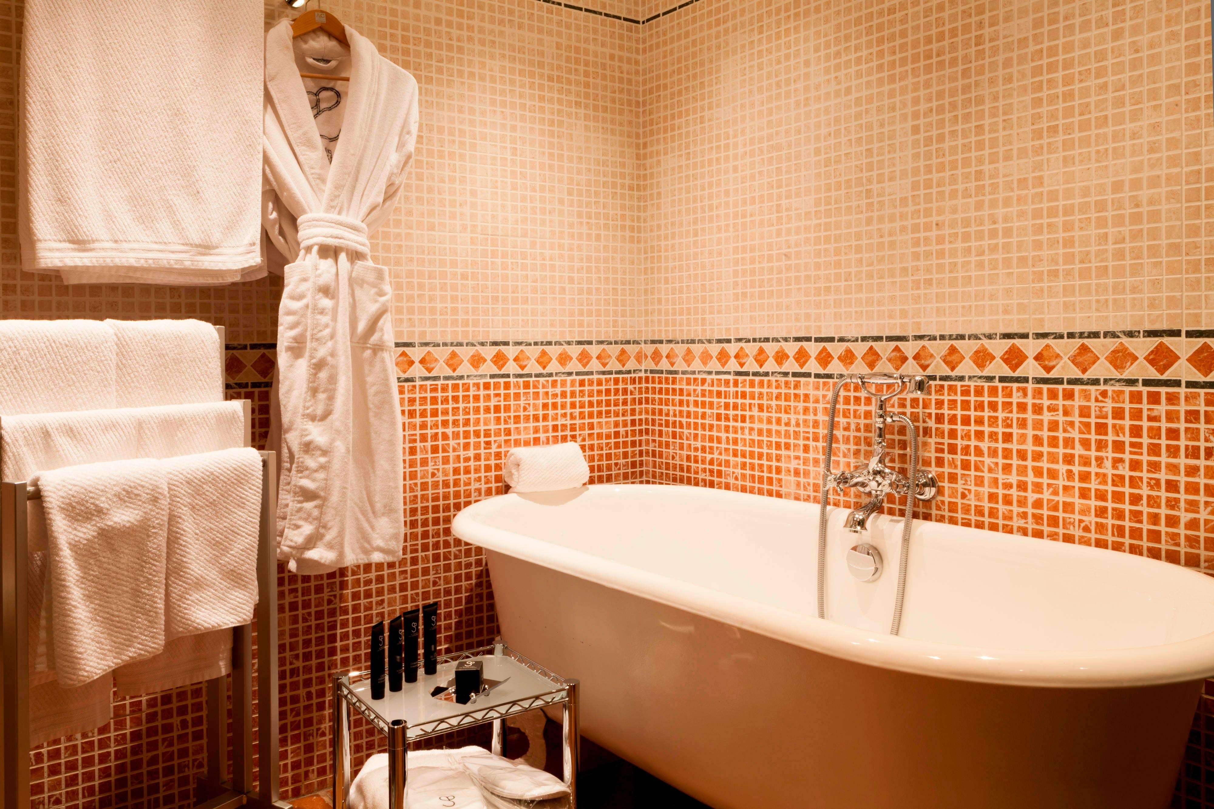 hotels in granada with luxury suites