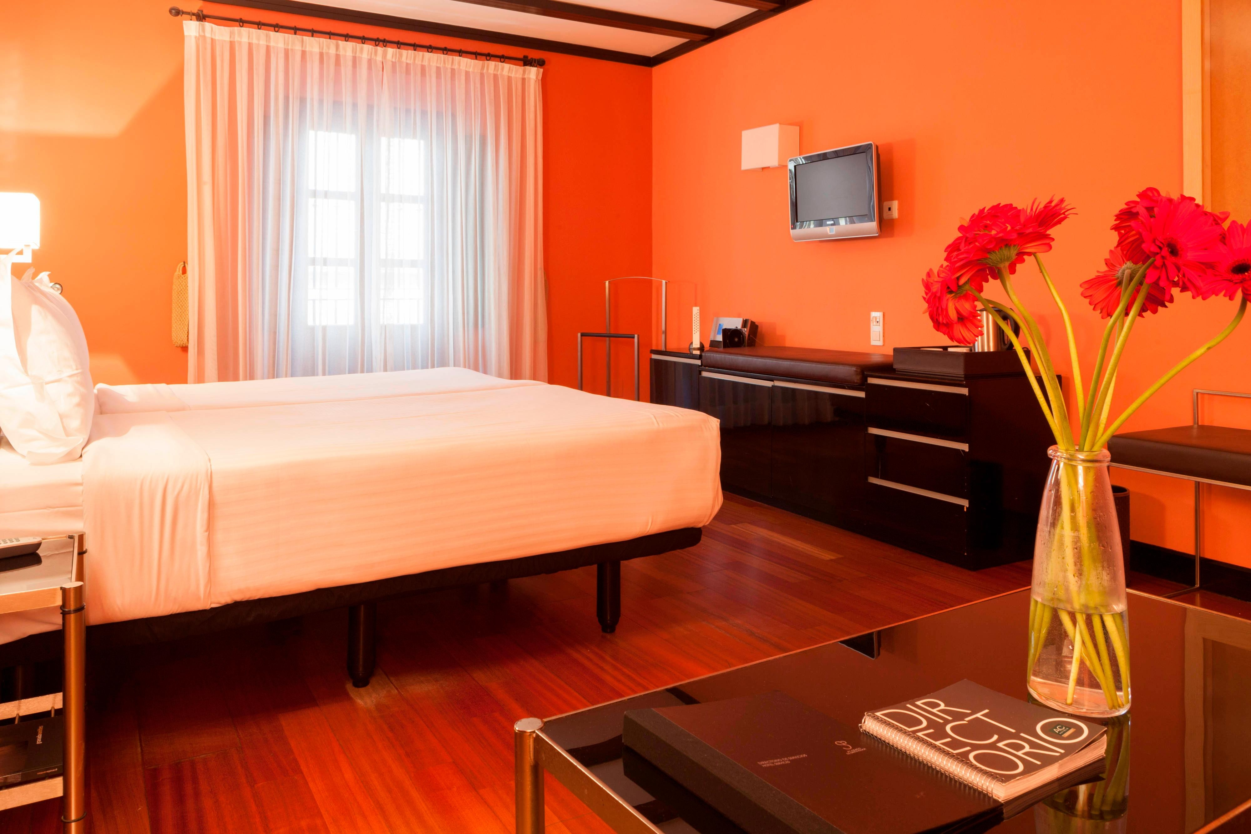 granada hotel triple superior room