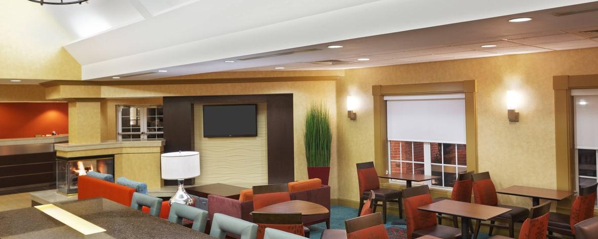 lobby del hotel en greenville, carolina del sur