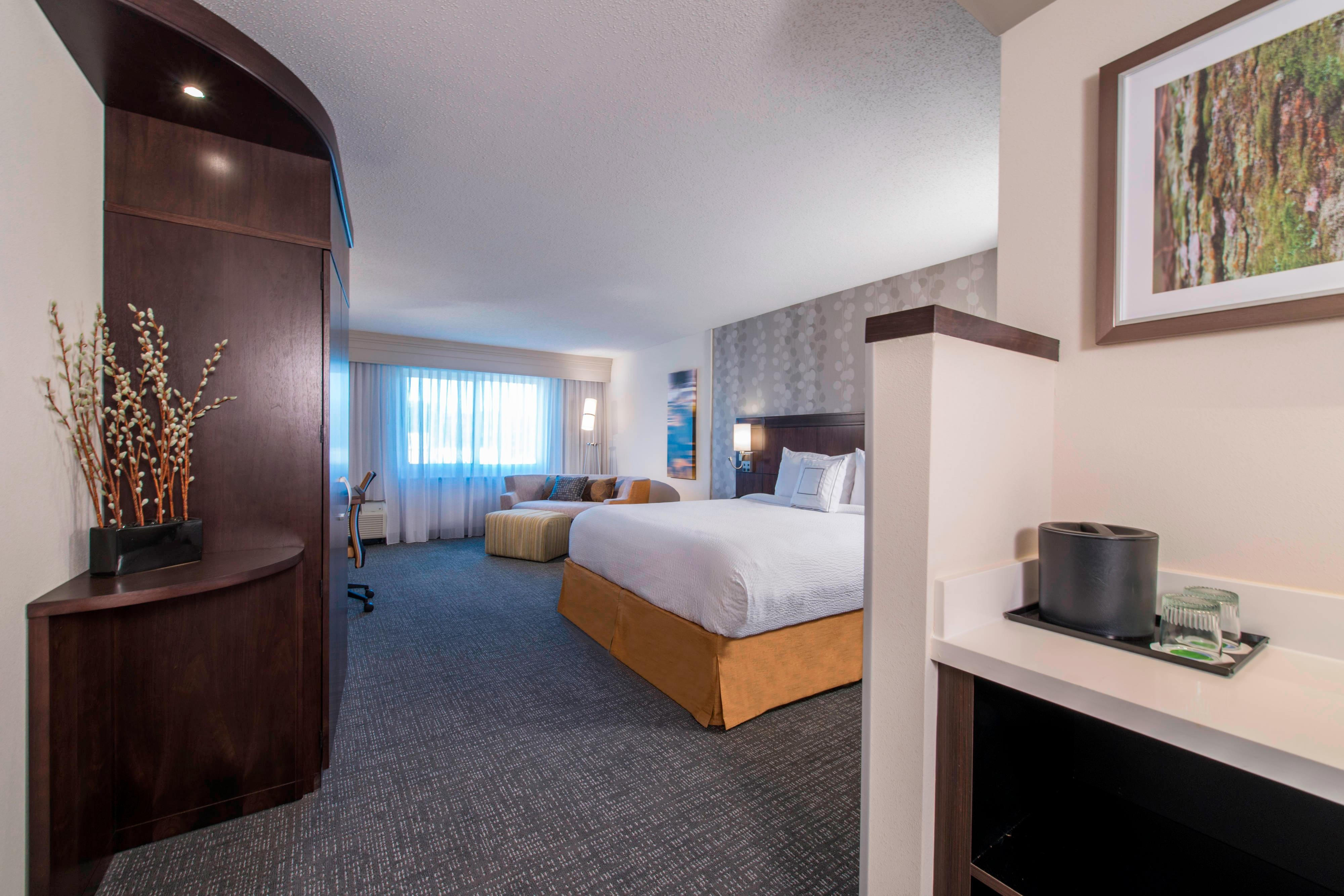 Hotels near Yokohama in Columbus