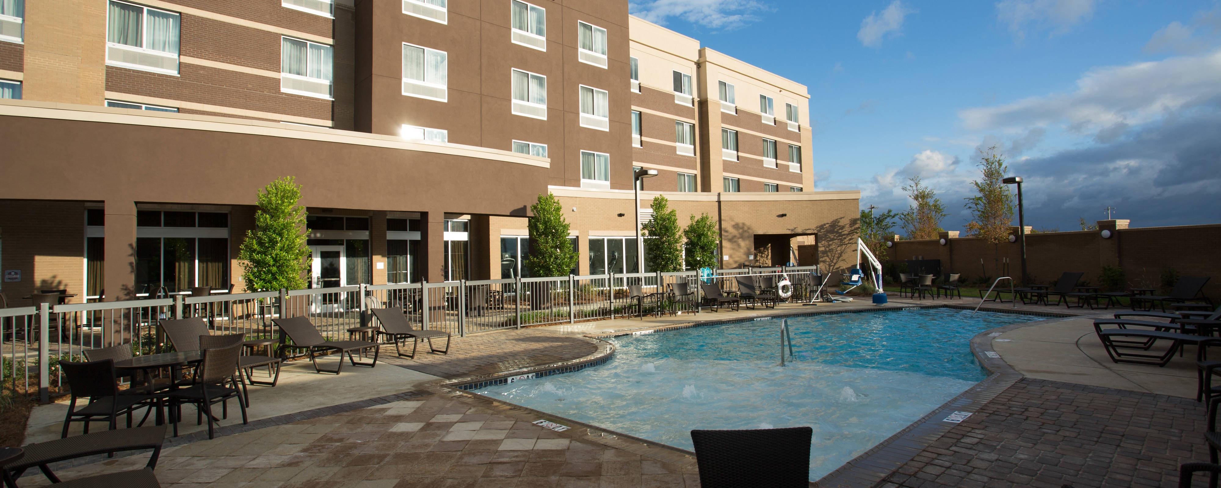 Courtyard Starkville MSU Pool