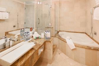 Suite Junior en el piso Club, baño