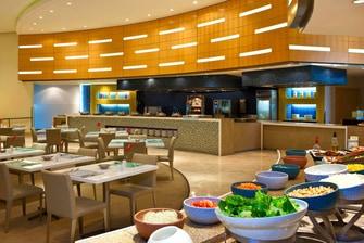 Taste Restaurant - open kitchen concept