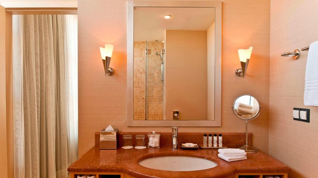 Marriott Executive Apartments Atyrau ‒ Badezimmer