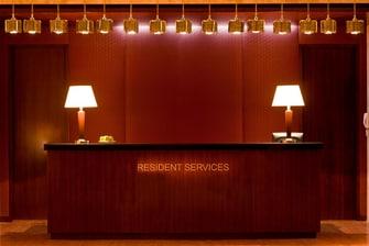 Стойка регистрации в отеле Marriott ApartmentsAtyrau