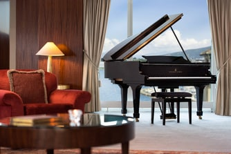 Suite royale Penthouse, piano à queue Steinway du salon impérial
