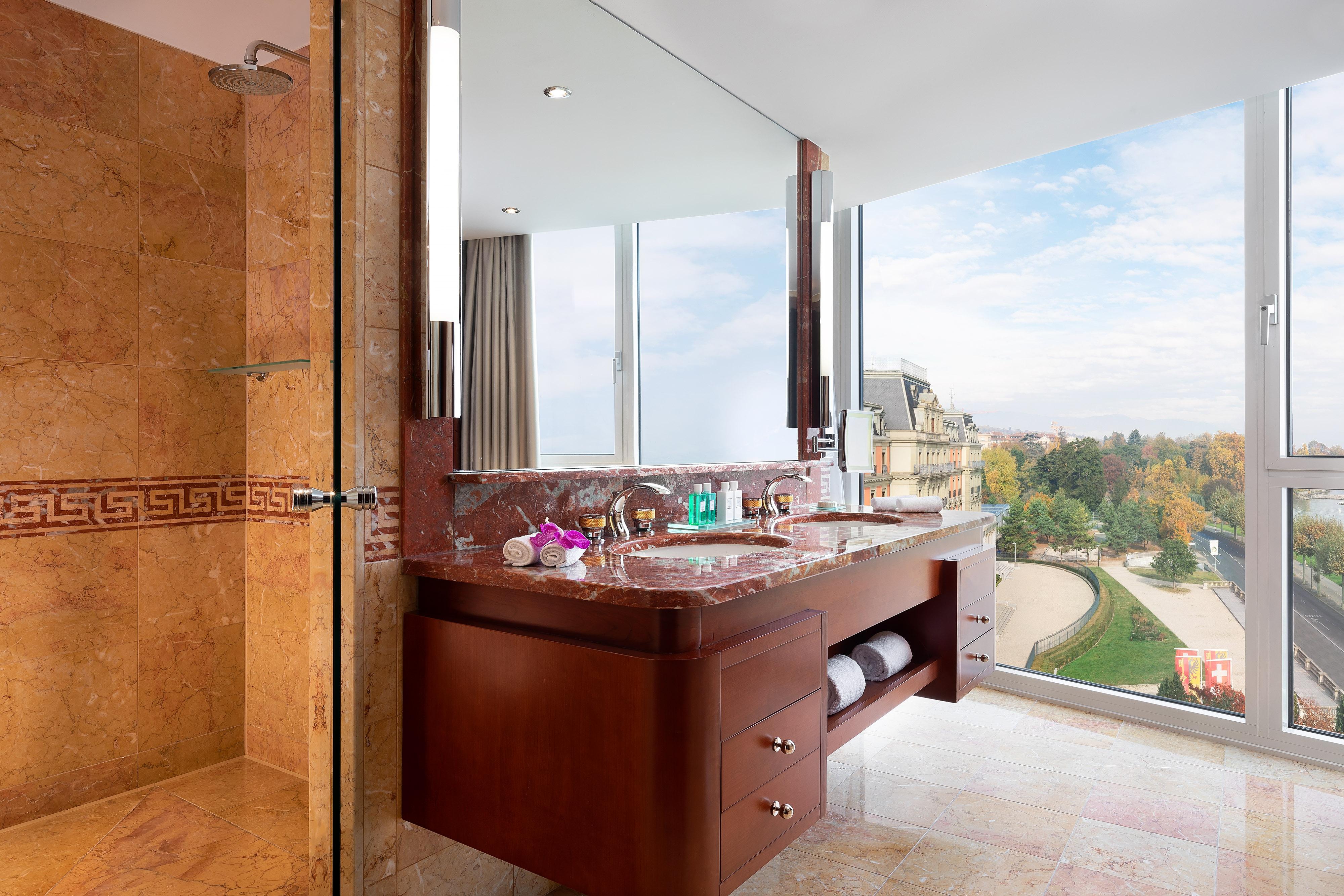 Ванная комната в президентском люксе и люксе Crown