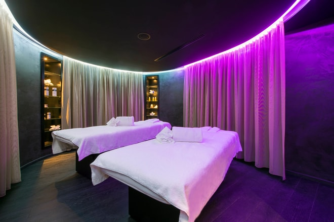 AWAY Spa - Couples Treatment Room
