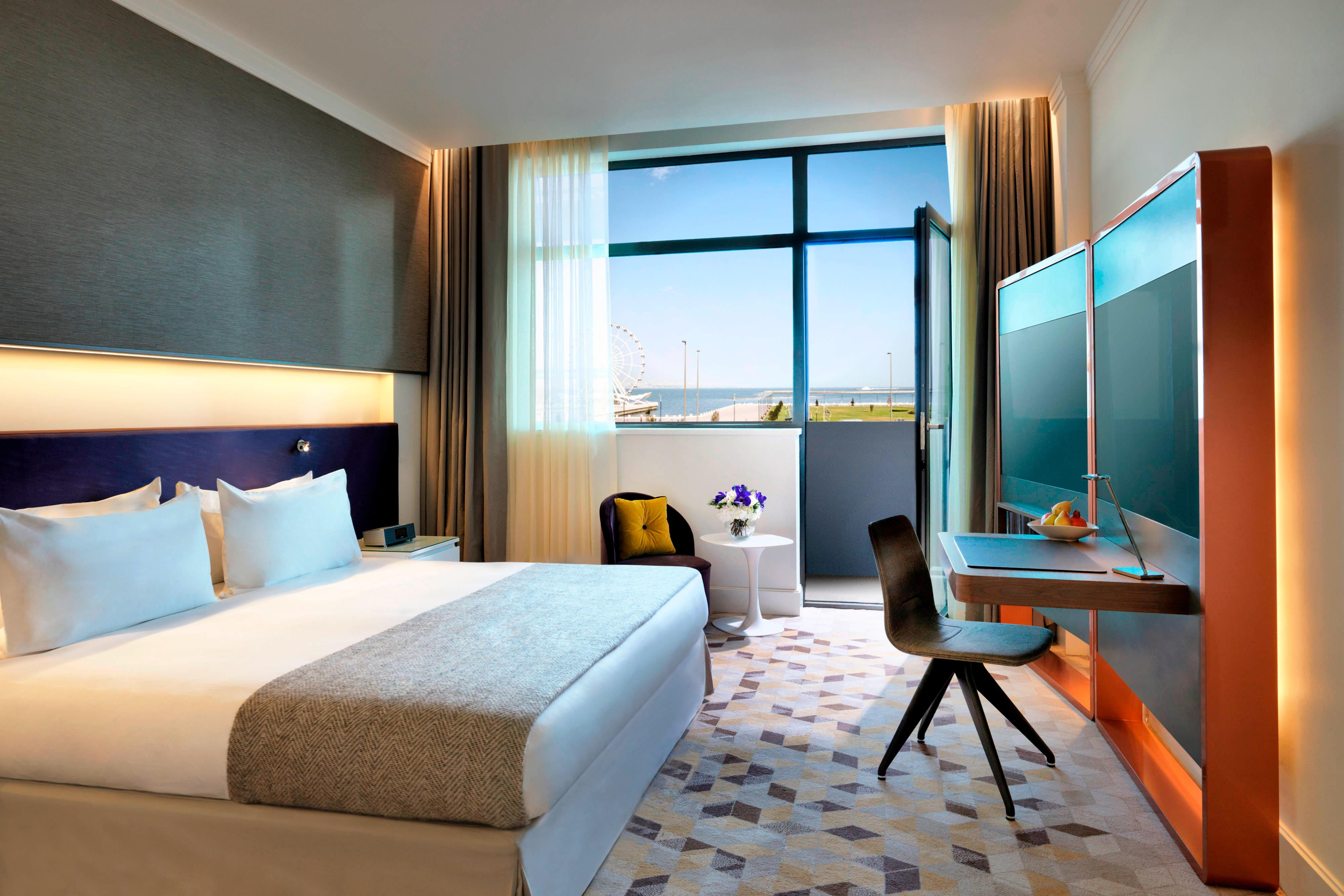 Intourist King Guest Room - Sea View