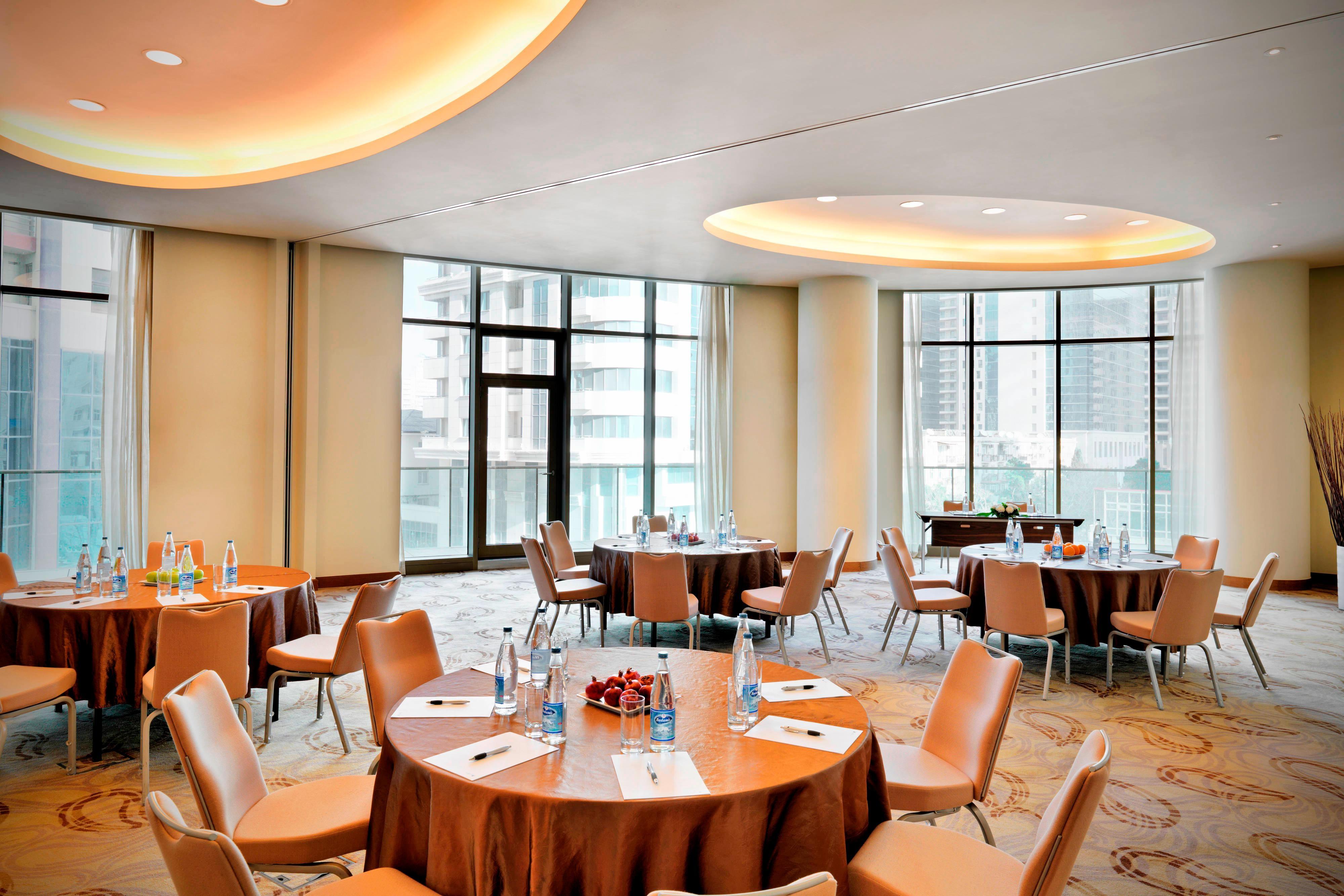 Sala de conferencias de hotel de Bakú