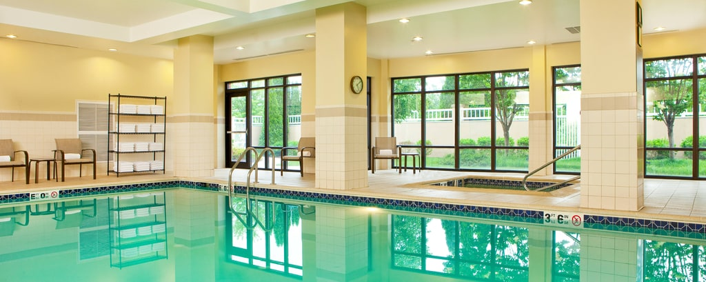 Indoor pool, hot tub