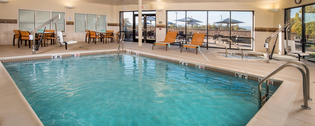 Courtyard by Marriott Shippensburg Indoor Pool