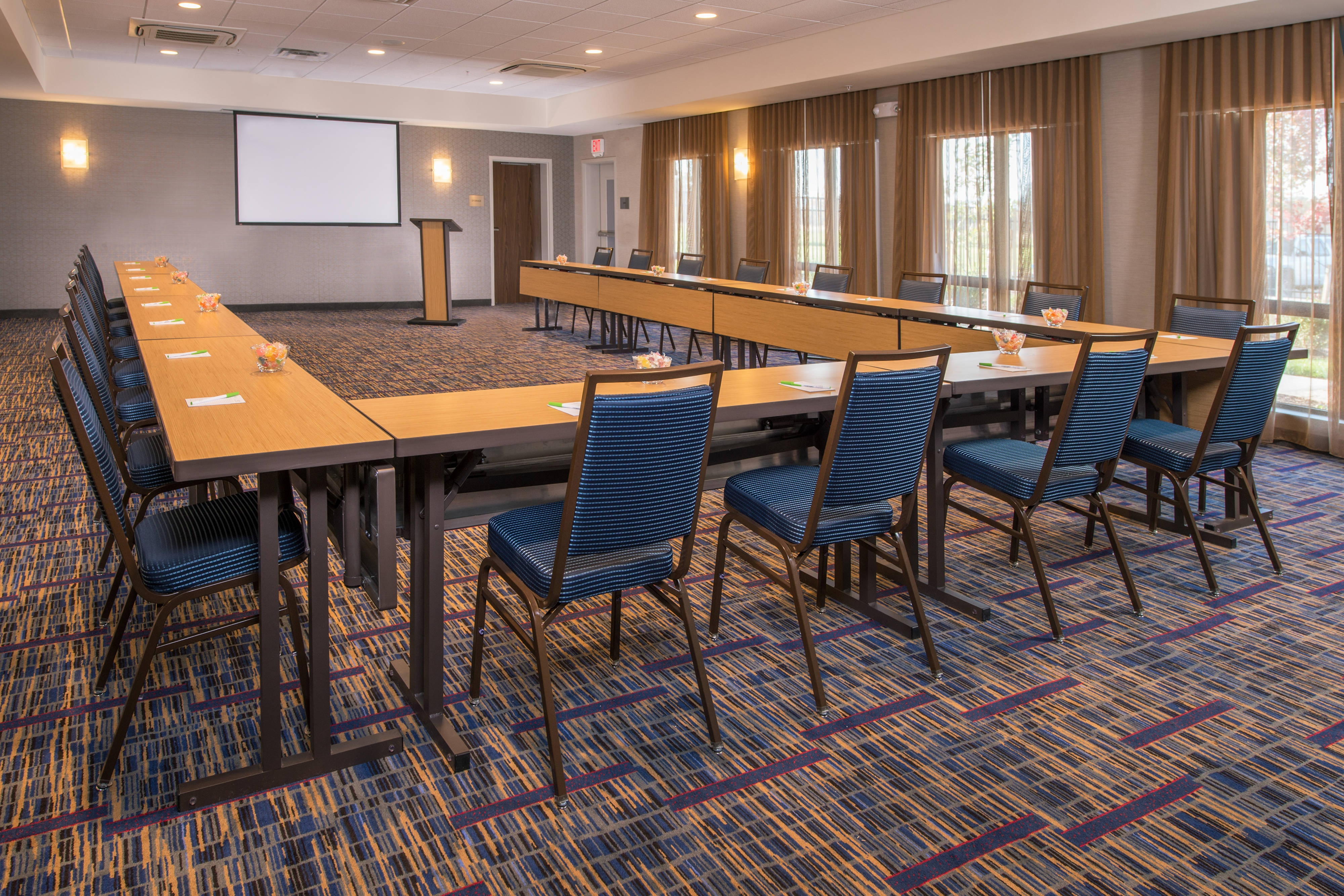 Shippensburg hotels with Meeting Space