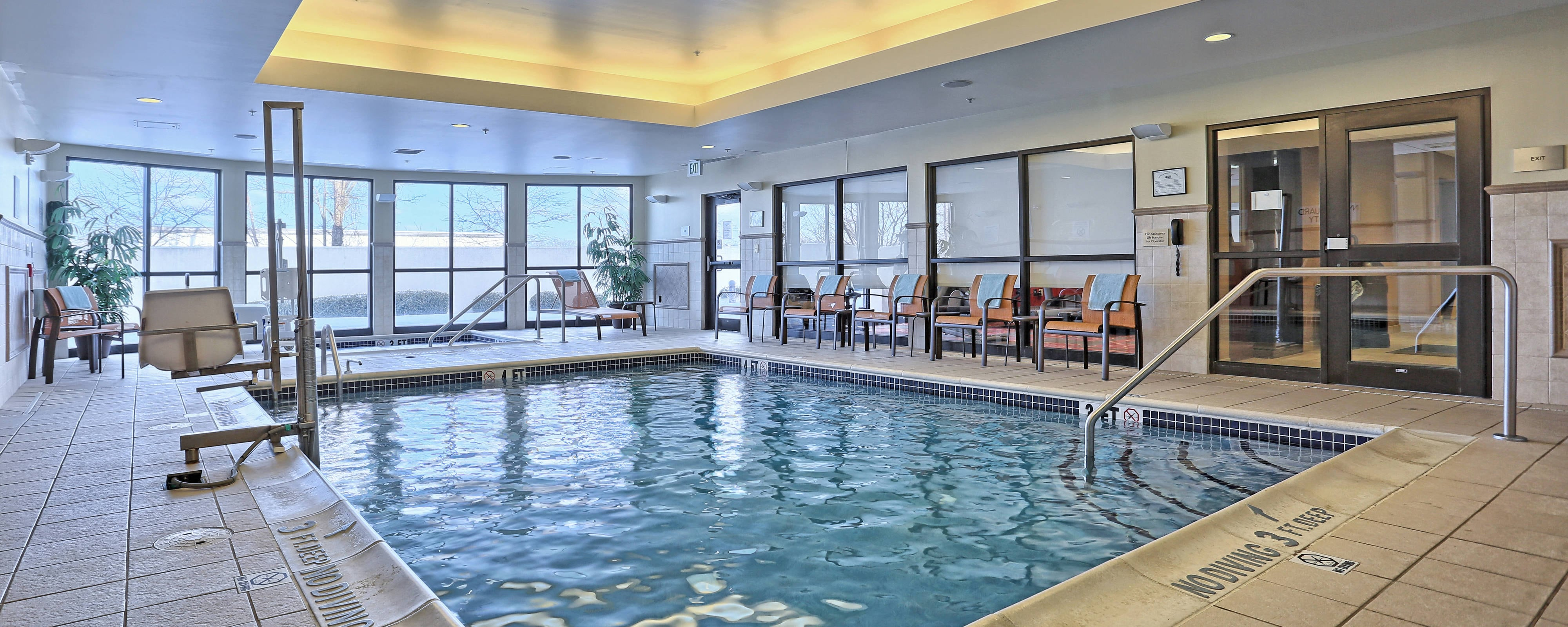 Mechanicsburg hotel indoor pool