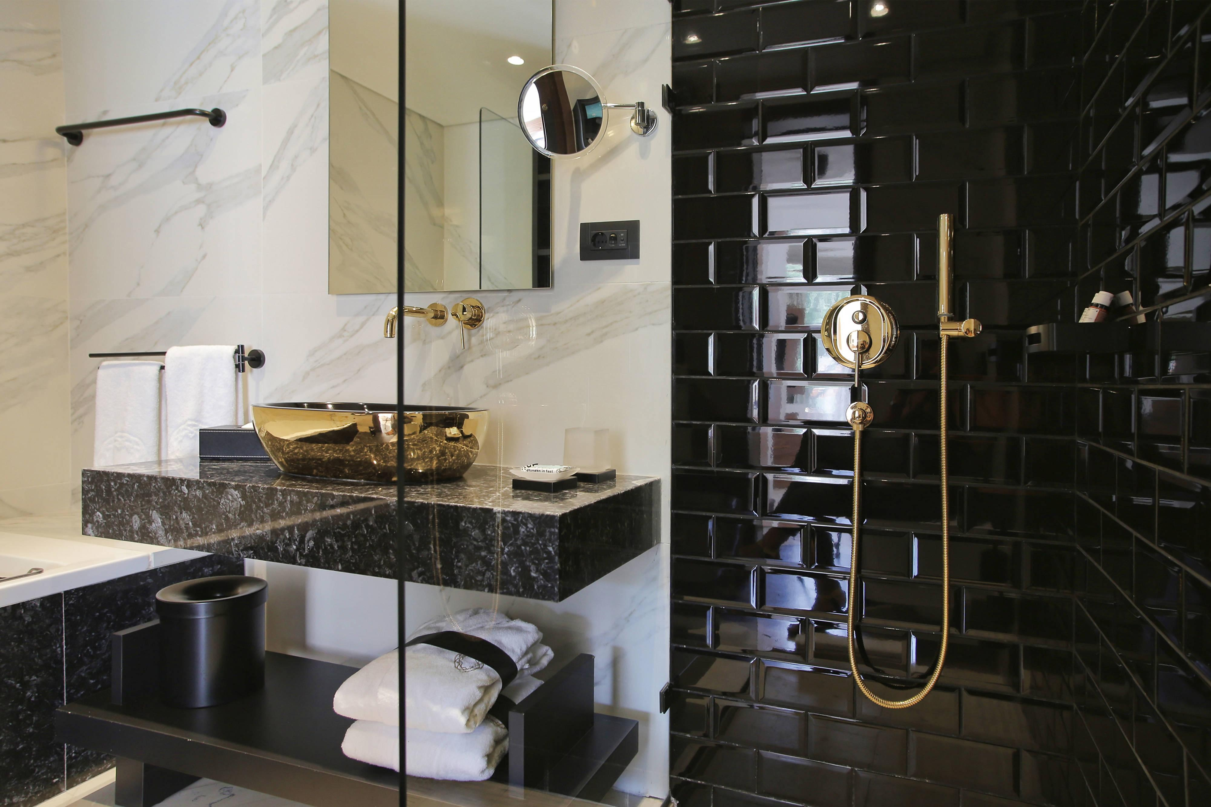 Evergreen Luxury - Bathroom