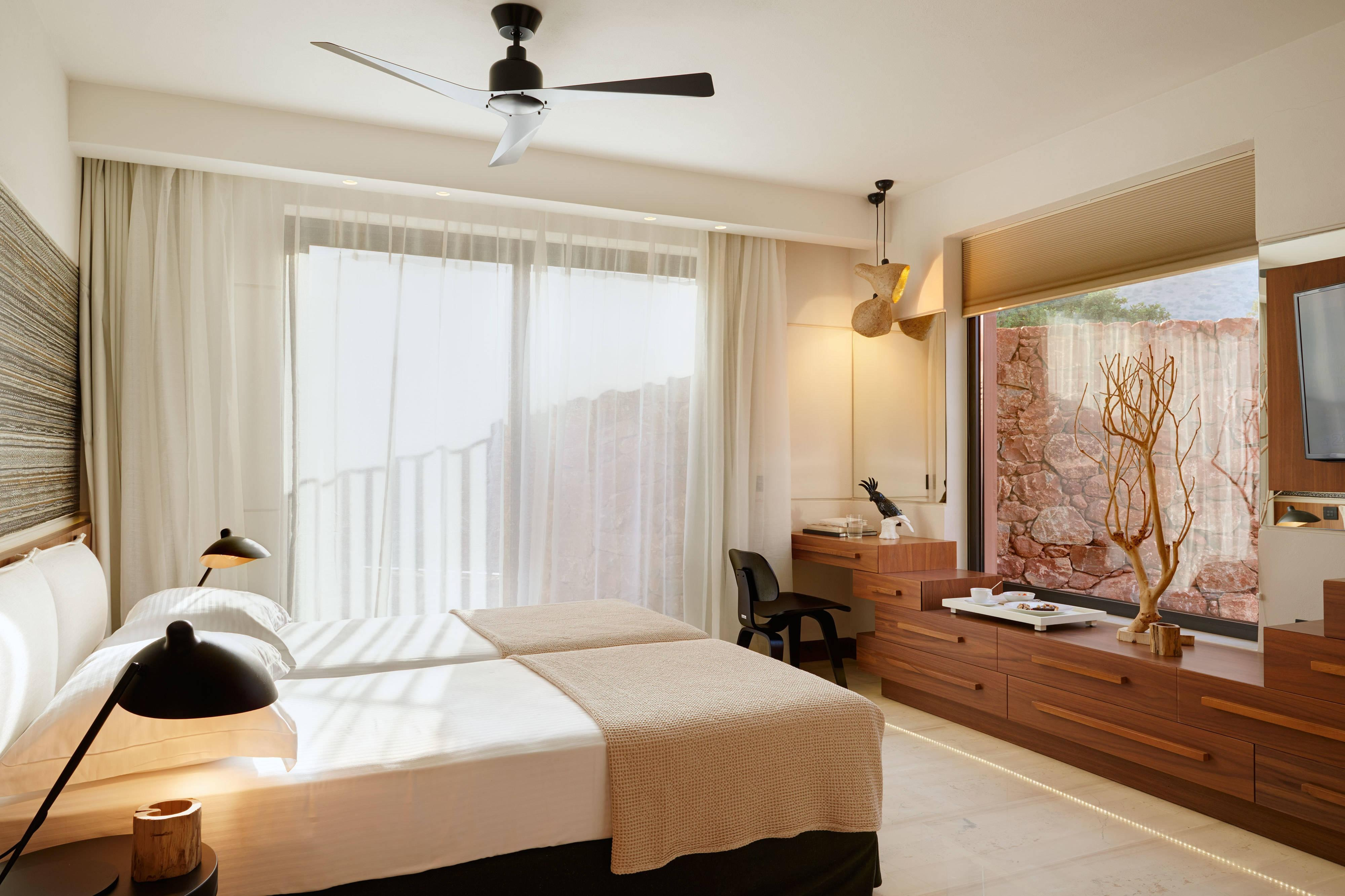 Evergreen Luxury - Second Bedroom