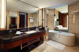 Club Suite - Bathroom