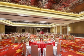 Grand Ballroom round Table Wedding Reception
