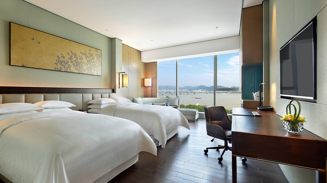 Grand Deluxe Room Twin bed