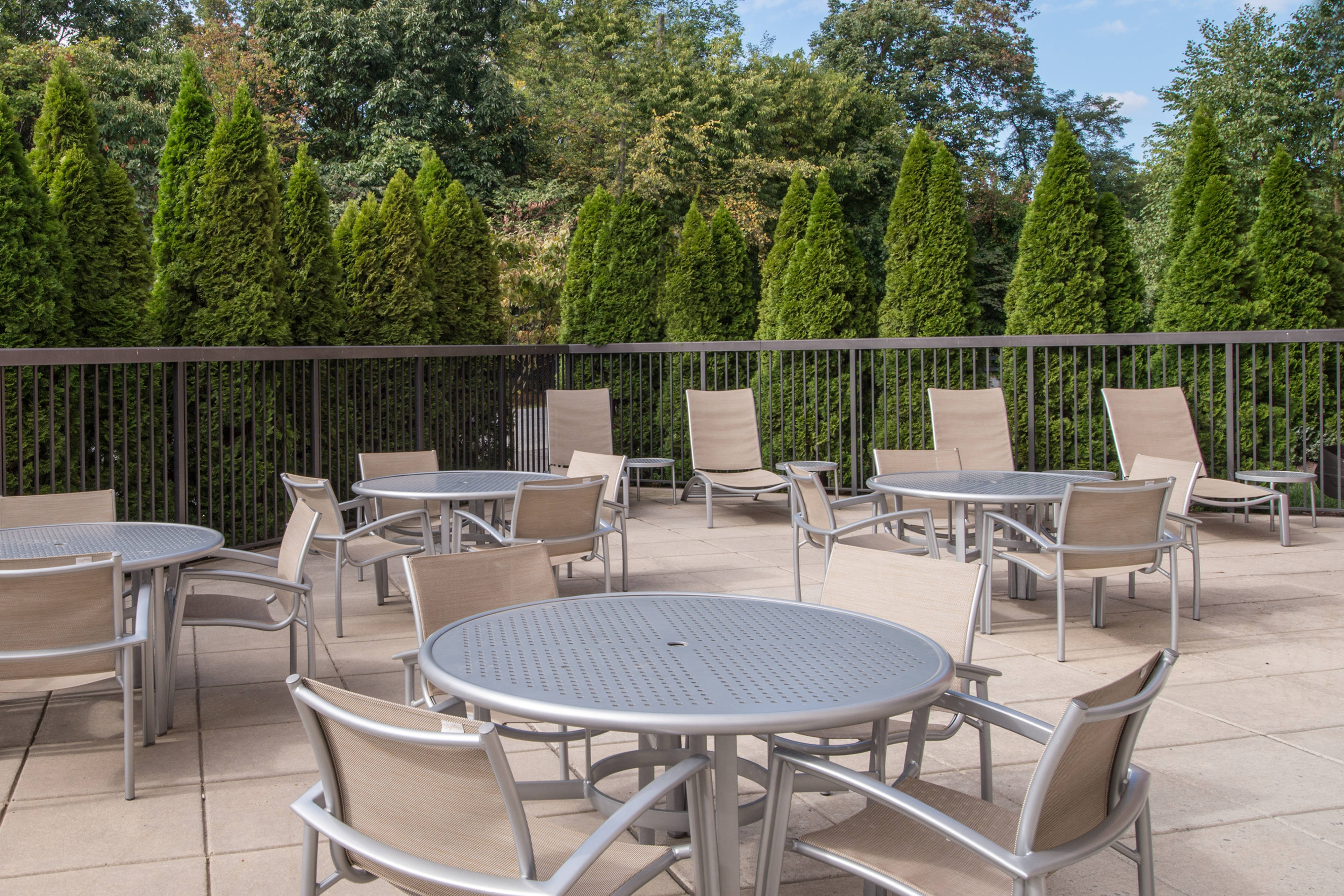 SpringHill Suites Hagerstown Hotel Patio