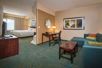 SpringHill Hagerstown Hotel Spa King