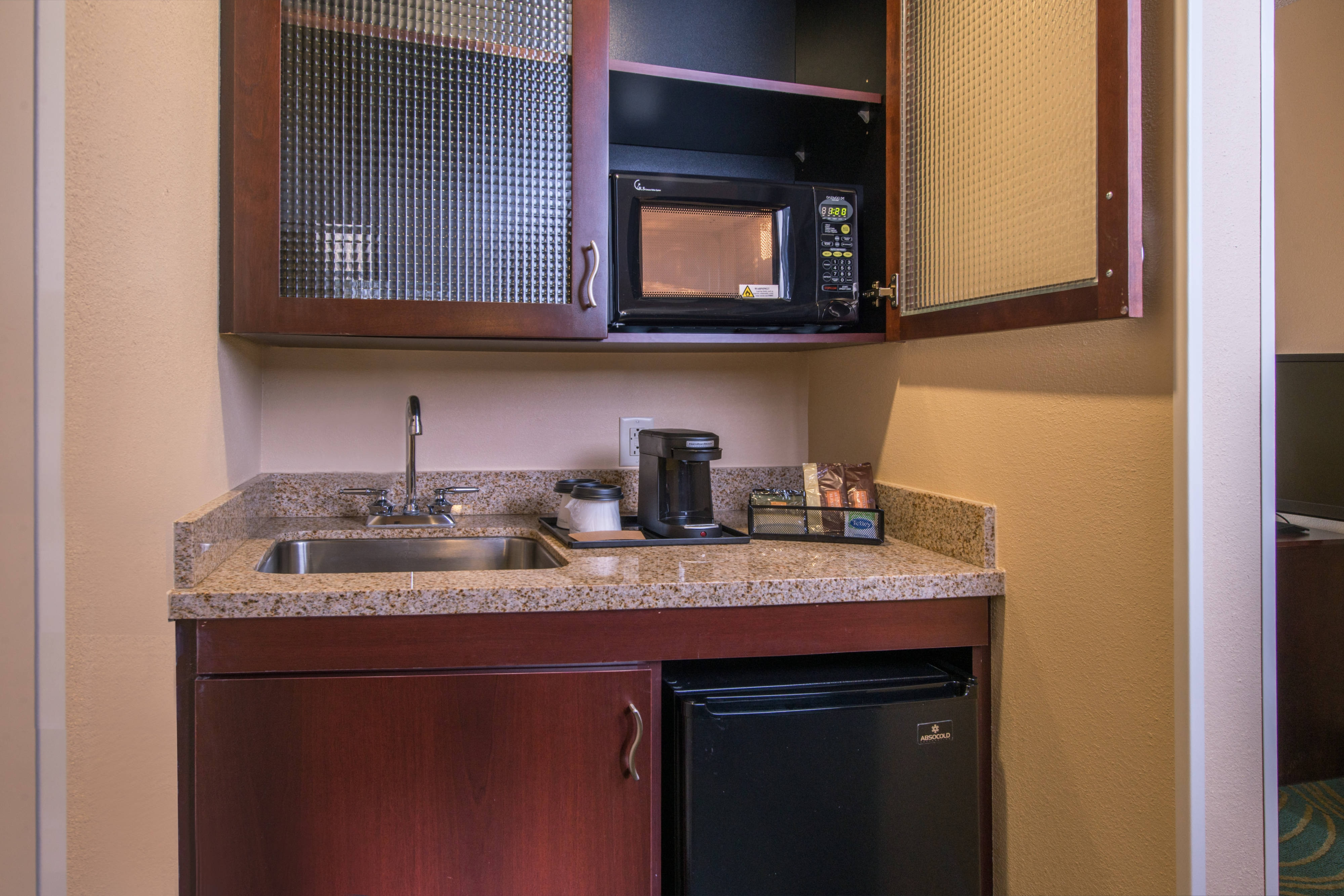 SpringHill Suites Hagerstown Hotel Kitchenette