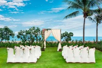 Luna La Pran Lawn Wedding by the sea