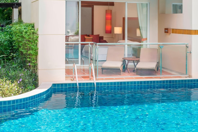 Guest Room - Poolside Access