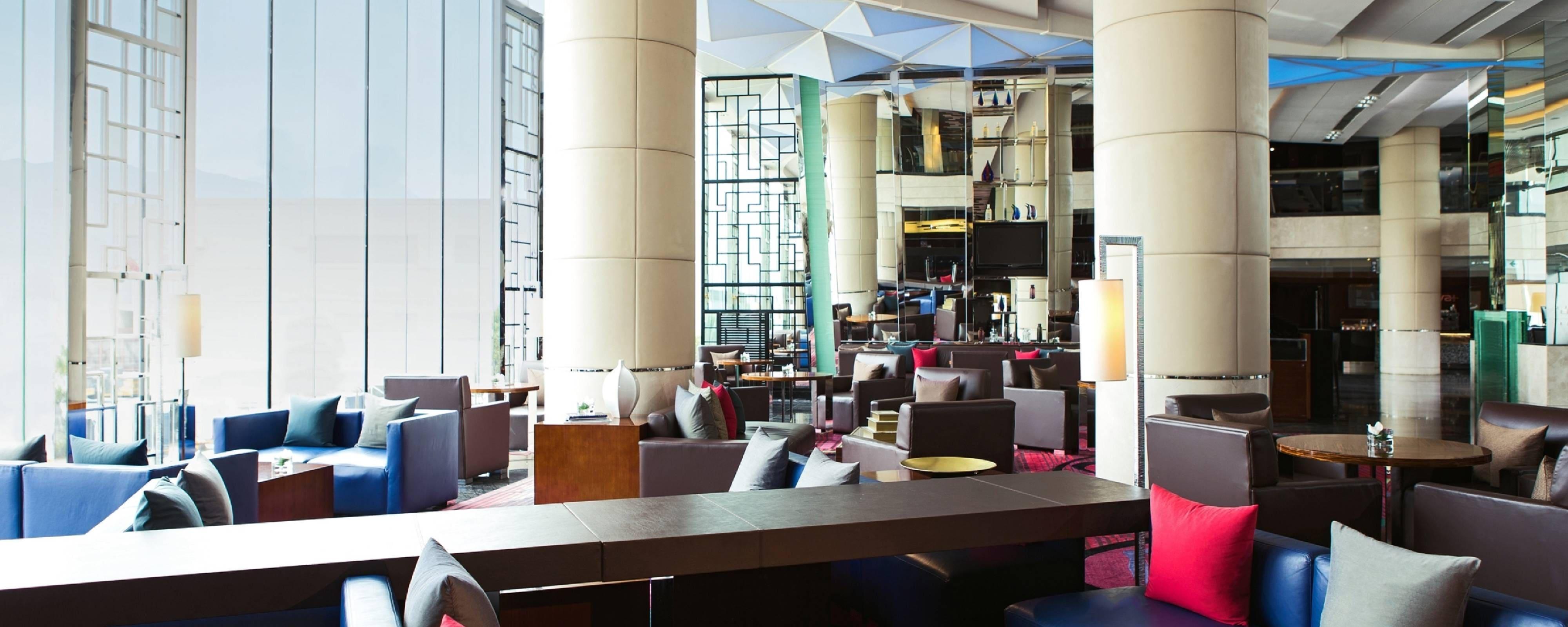 無料Wi-Fi完備のホテルのロビー