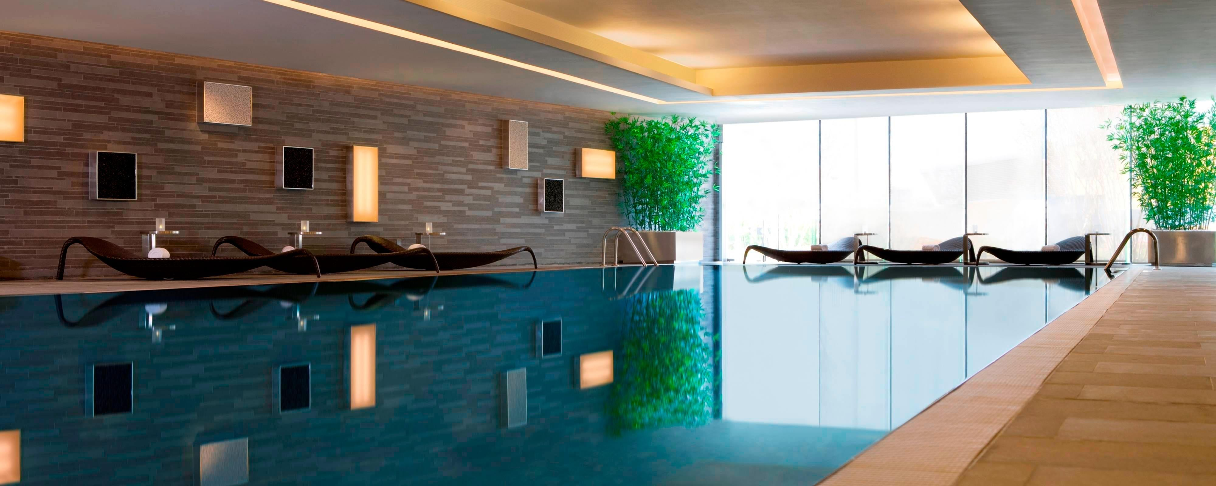 Hong Kong hotel indoor pool