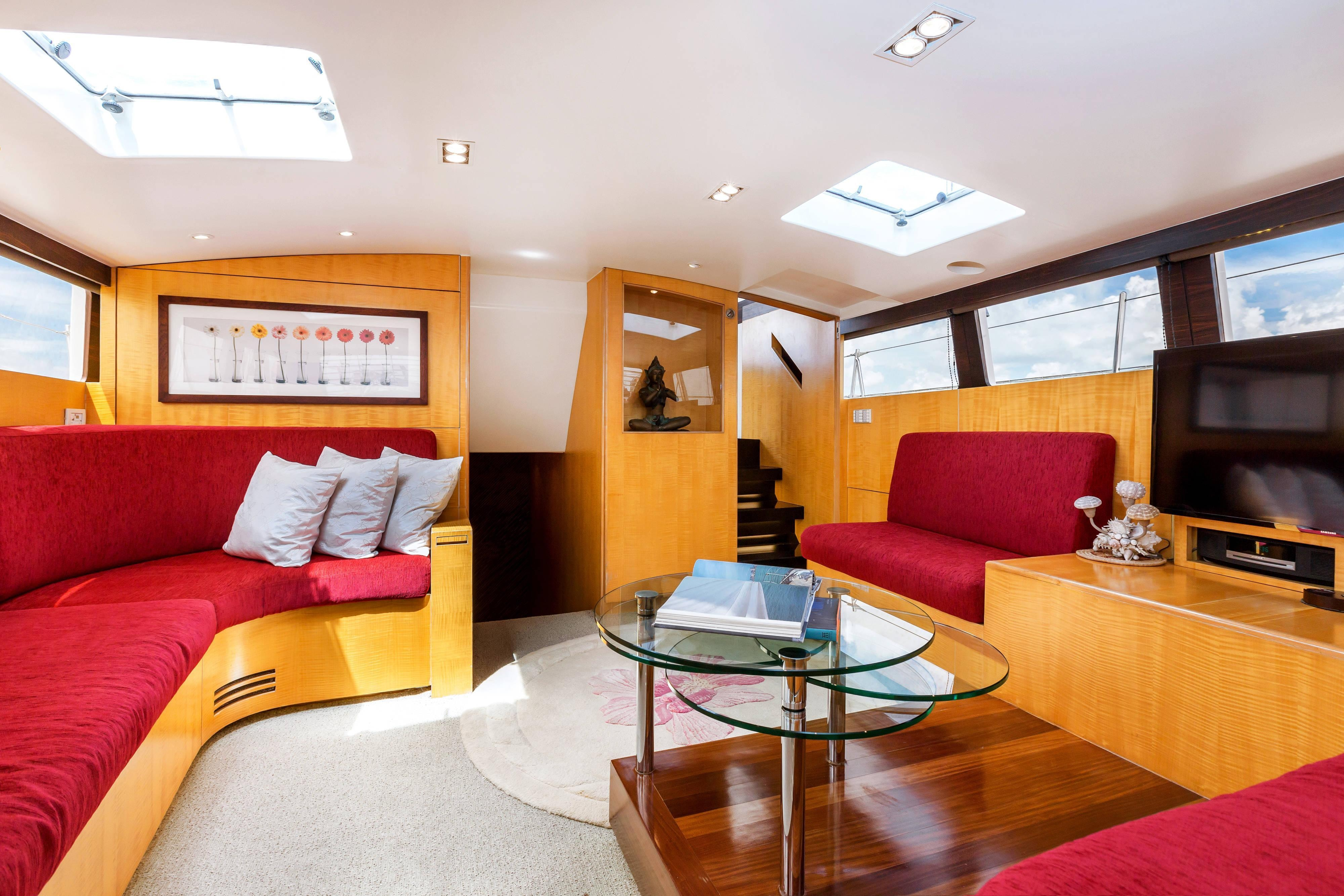 Born Free Yacht Air conditioned Lounge