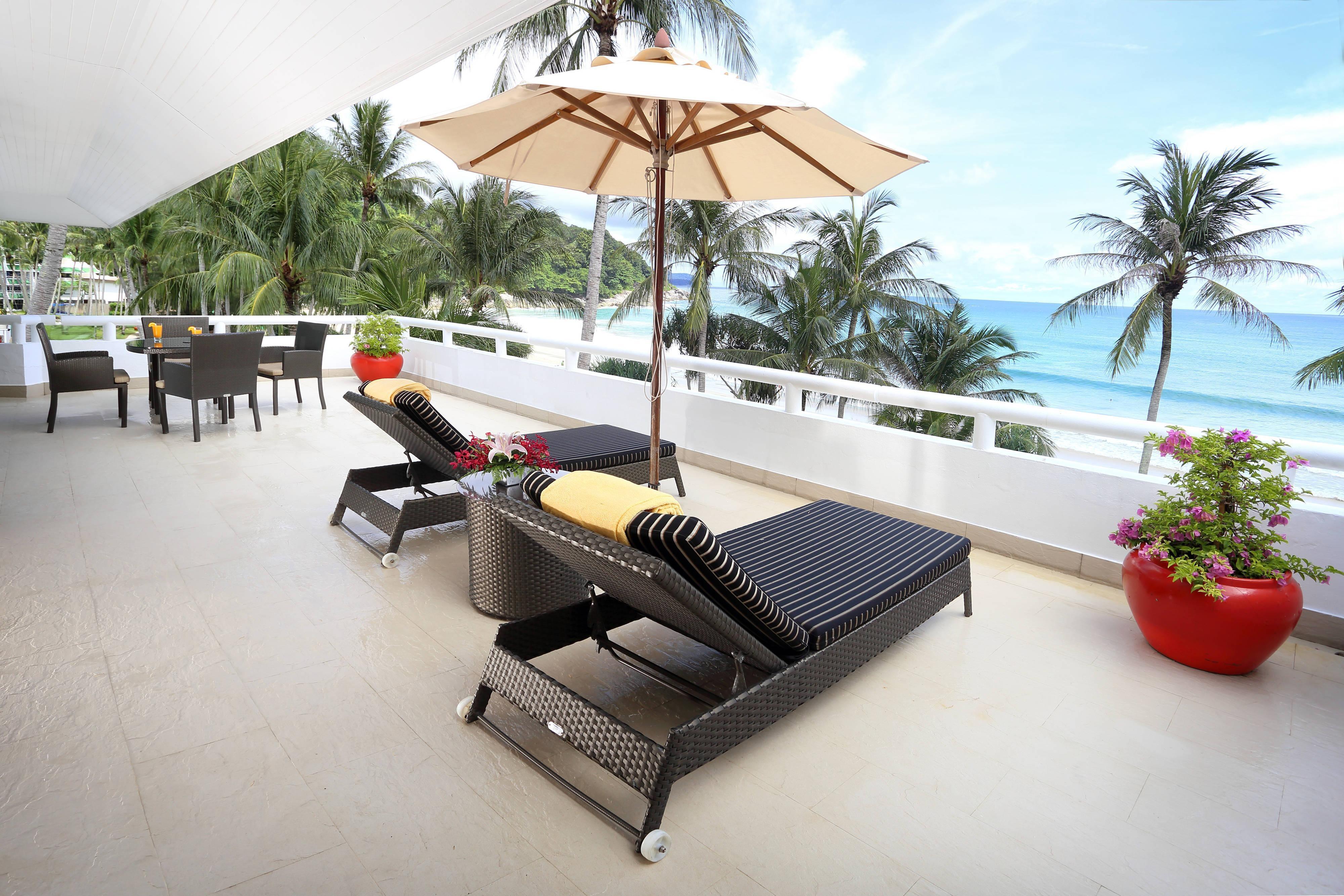 OceanFront Deluxe Suite - Terrace
