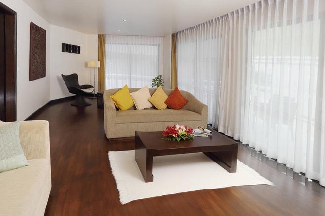 OceanFront Grande Suite - Living Area