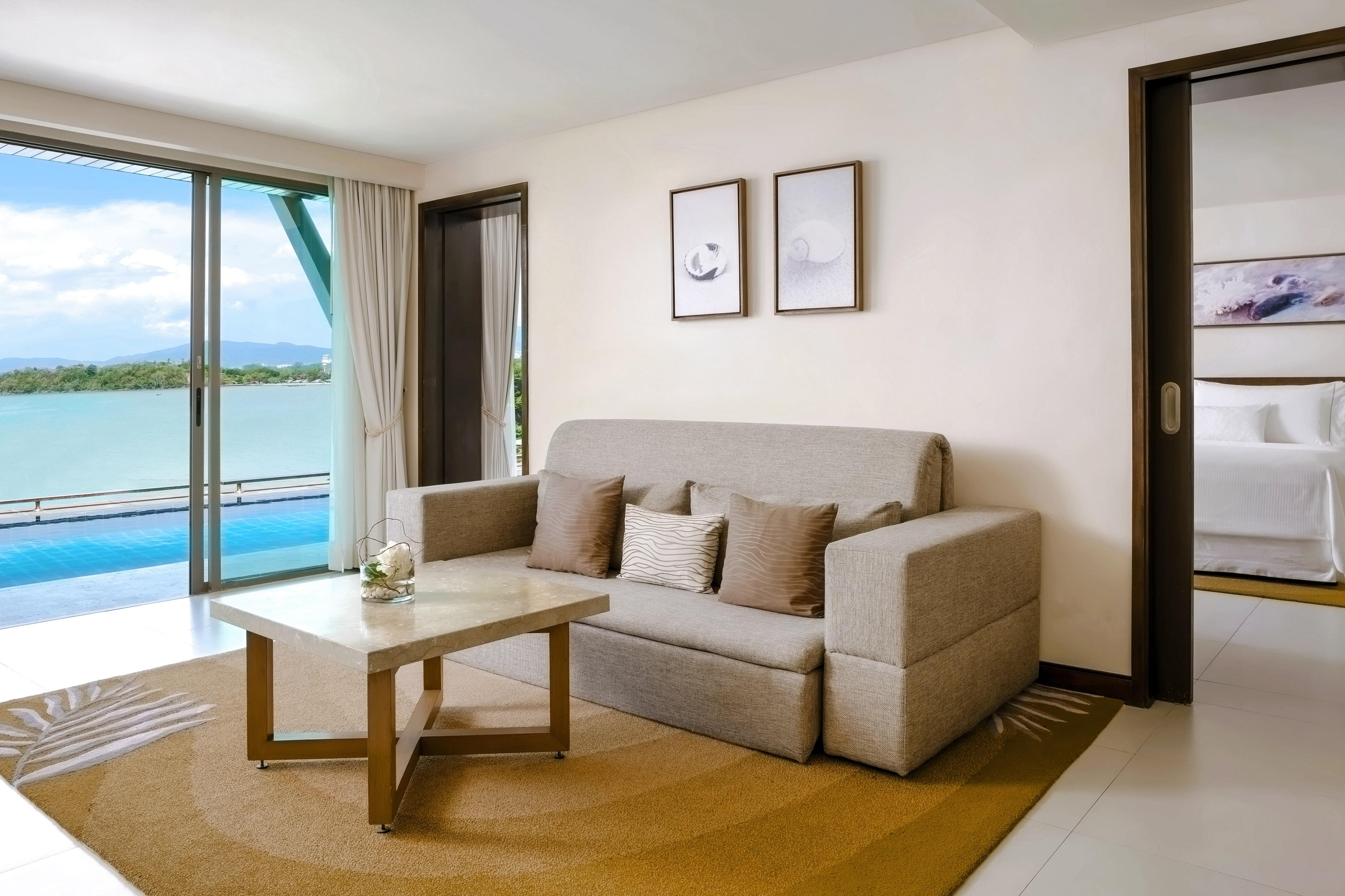 Suite Deluxe con accesso alla piscina e vista sul mare