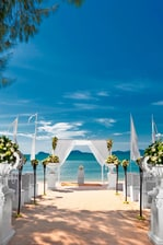 Beach Wedding - aisle decorations