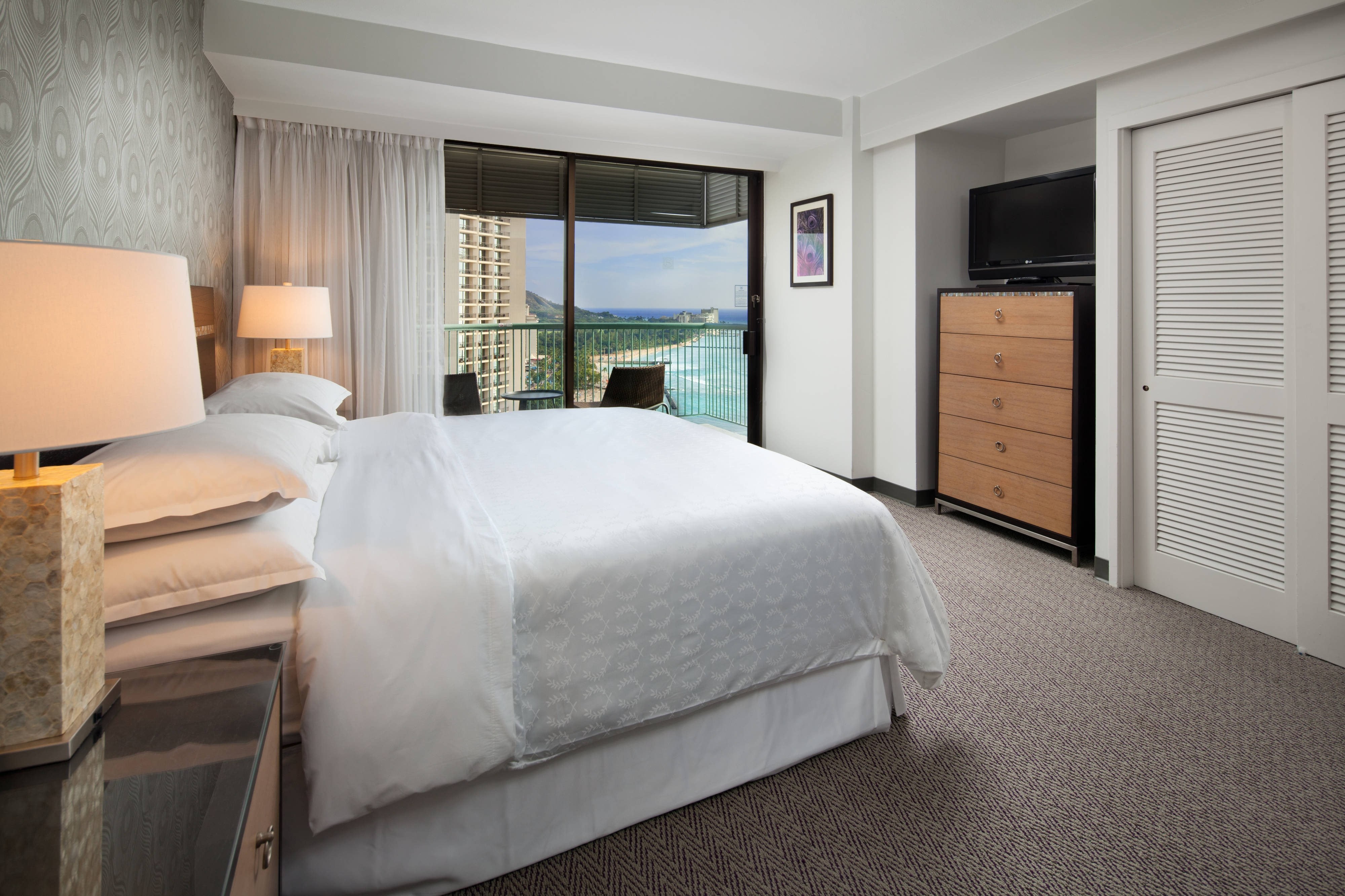 Tower Premier King Guest Room - Ocean View