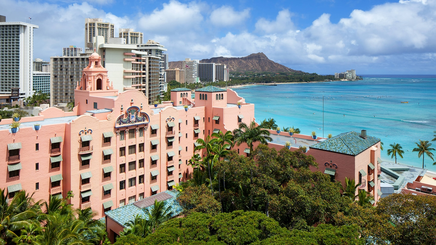Luxury Hotels Resorts In Honolulu The Royal Hawaiian A