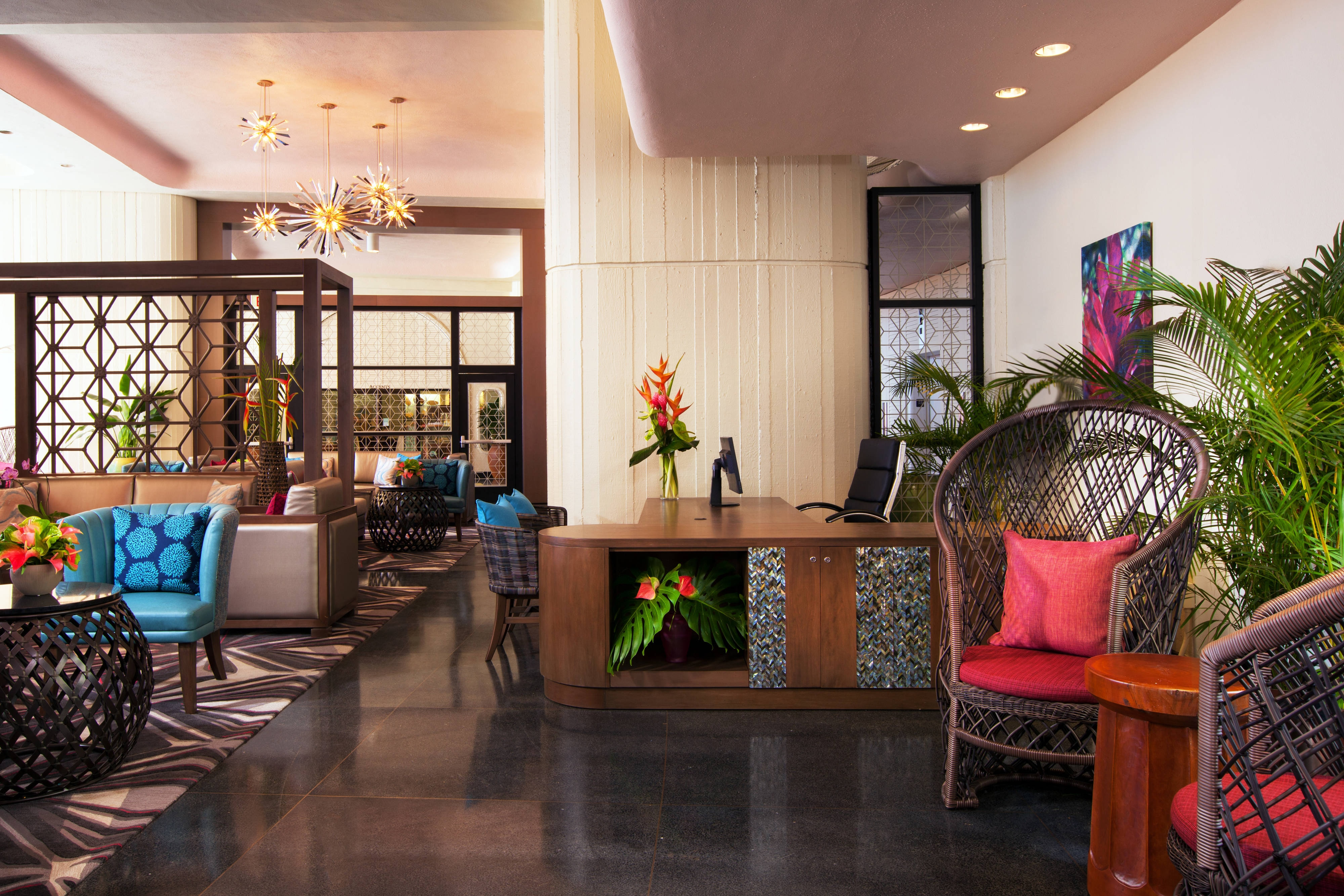 Mailani Lounge - Concierge