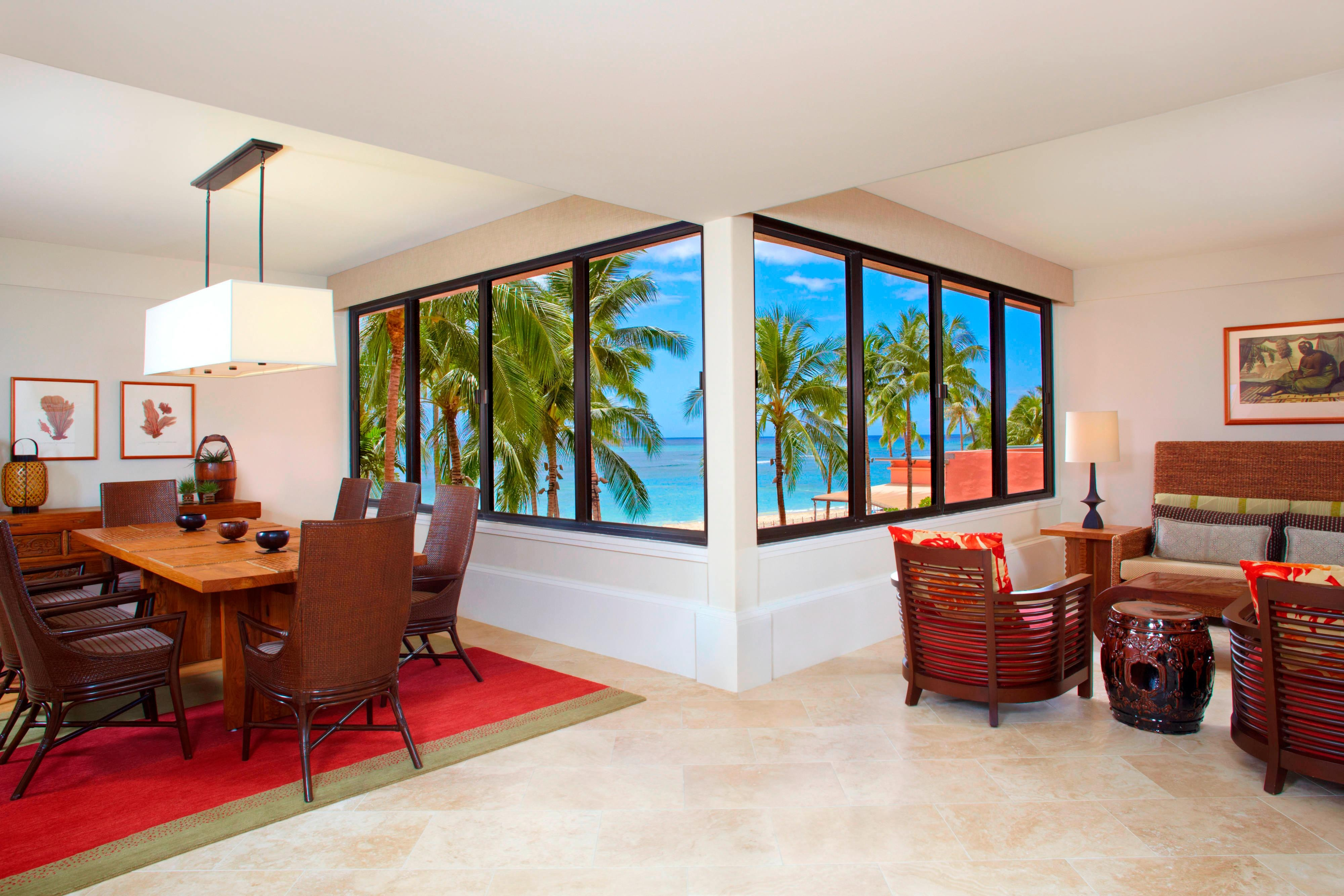 Queen Kaahumanu Suite - Dining and Living Rooms