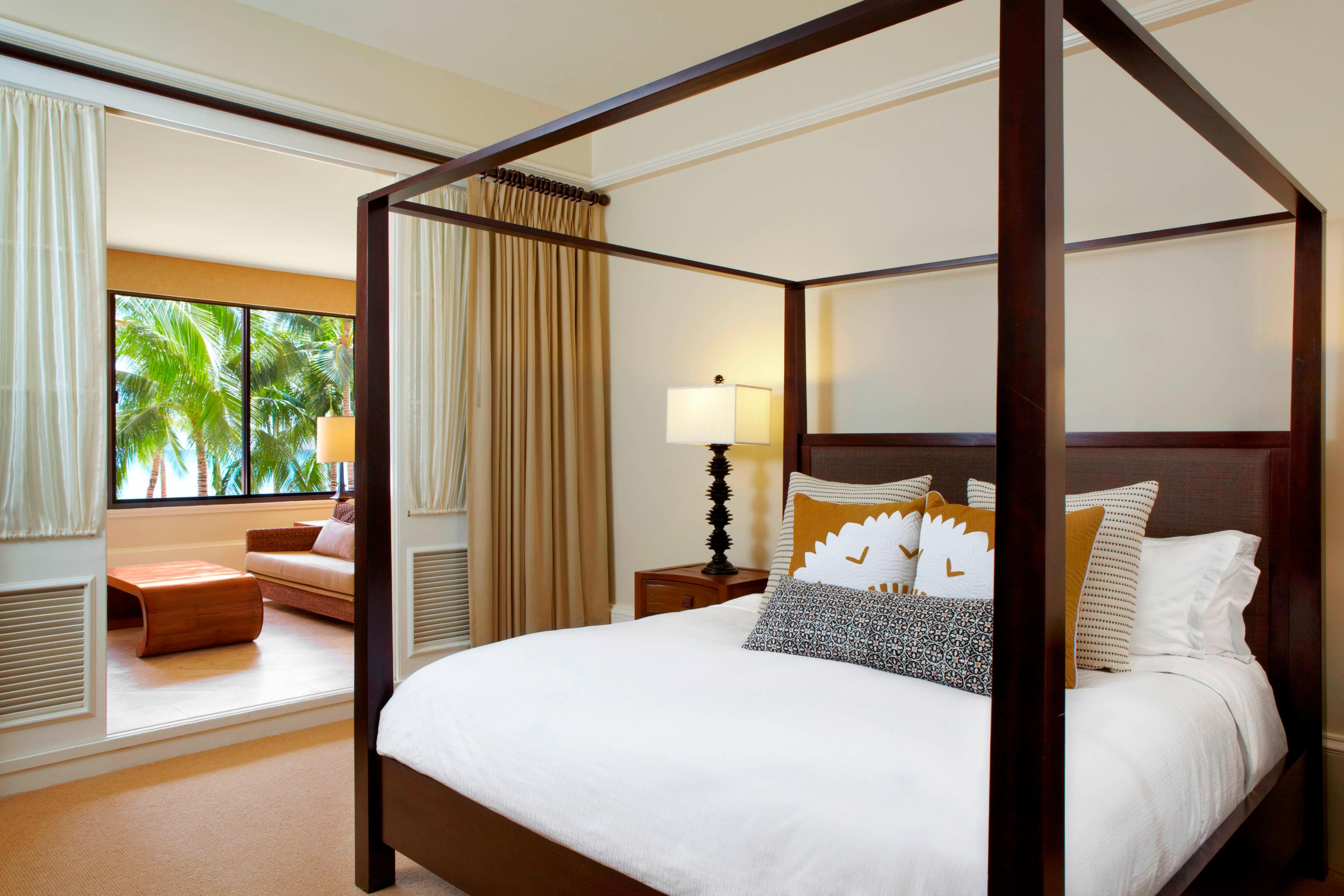 Queen Kaahumanu Suite - Master Bedroom