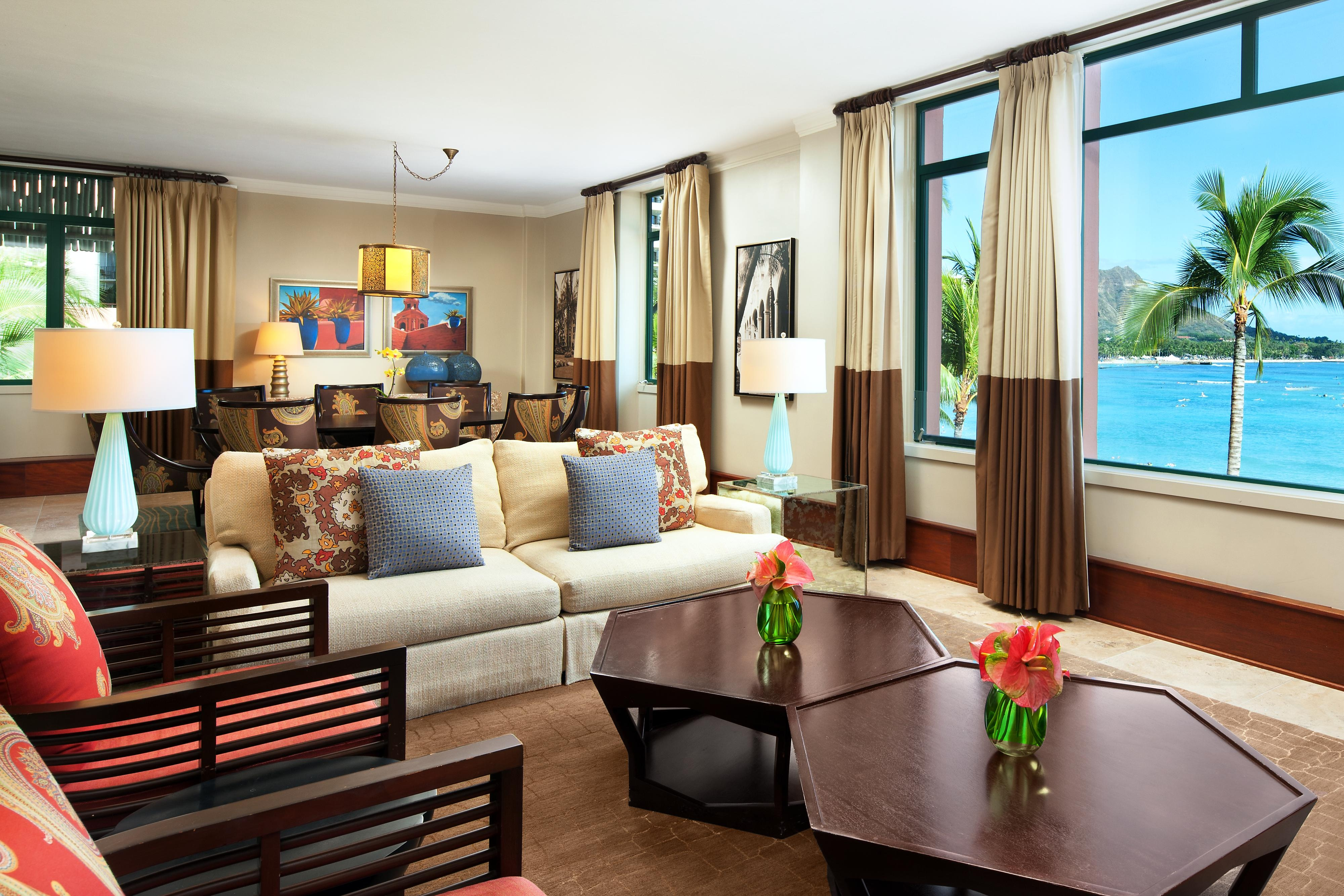 Royal Hawaiian Suite - Living and Dining Room