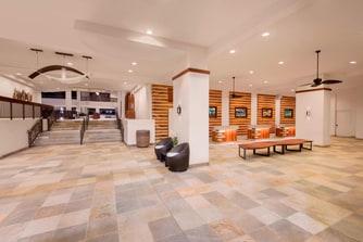 Hawaii Group Tour Lobby